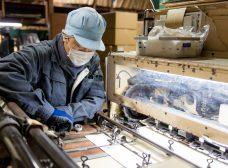 化粧箱、紙箱製作の熟練の職人
